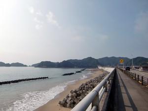 目の前の宍喰海岸