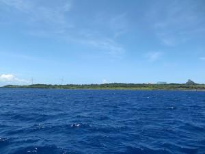 波も穏やか、伊江島へ。