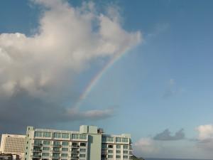 虹が出て、今日ラッキーかも。