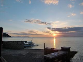 バンカーボートと夕日
